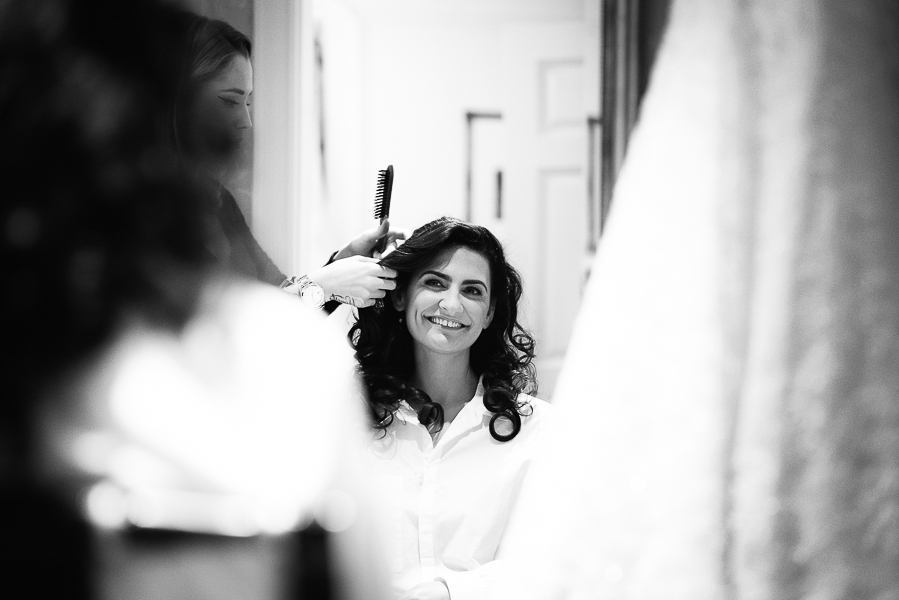 bride_getting_ready_savoy_weddings