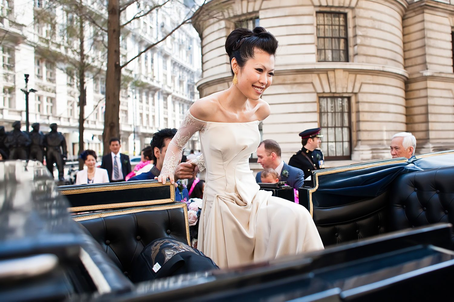 bride gets in carriage